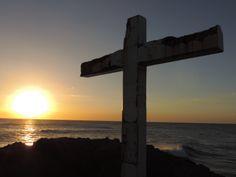 Kreuz an der Brandung
