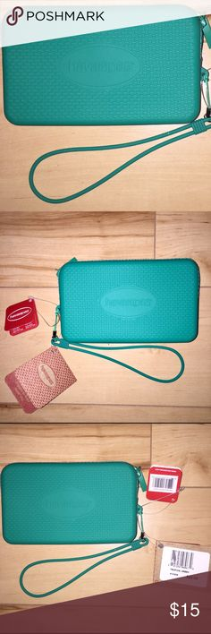 """💲⬇️Havaianas Jelly Wristlet💲⬇️ NWT Havaianas Jelly Wristlet in """"tropical green (a pretty mint green / teal) comes BRAND NEW with tags. Makes a great gift!!! Can be used to hold an iPhone 6 or smaller. Add some money and cards and it's perfect by the pool or at the beach! My prices fluctuate from time to time. Catch items when the prices are low!❤️ Havaianas Bags"""