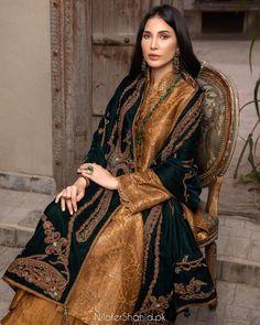 Wedding Outfits For Women, Pakistani Wedding Outfits, Pakistani Dresses Casual, Pakistani Bridal Dresses, Pakistani Dress Design, Indian Dresses, Pakistani Girl, Indian Outfits, Shadi Dresses