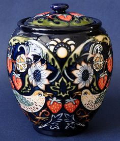 Moorcroft Pottery Strawberry Thieves Return 401/5 Nicola Slaney http://www.bwthornton.co.uk/moorcroft.php