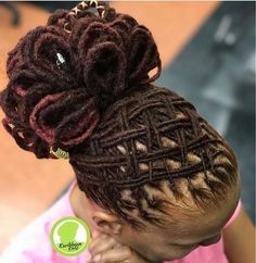 Done at Karibbean Kinks. ☎️ Text 3019961285 to book. 📍 Location 557 Ritchie Road, Capitol Heights MD Hours of operation. Dreadlock Wedding Hairstyles, Dreadlock Hairstyles For Men, Dreadlock Styles, Braided Hairstyles, Hair Updo, Dreads Styles For Women, Curly Hair Styles, Natural Hair Styles, Pretty Dreads