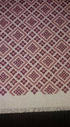 Cross Stitch Designs, Cross Stitch Patterns, Palestinian Embroidery, Crafty Craft, Hgtv, Embroidery Designs, Bohemian Rug, Diy Crafts, Quilts