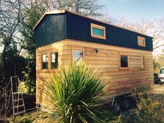 Pardon our French and sorry to disappoint the Angelenos in the audience, but that's not LA Tiny House, it's La Tiny House – as in, the 1er constructeur Français de Tiny Houses. They're based in Normandy and make a whole range of THOWs from €24,000 ($27,000), with 15 builds under their belt so far, including this pleasant and roomy Tiny Appalache model. A very ...