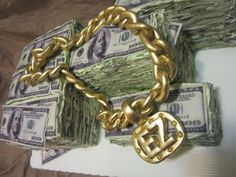 Money Cake with Gold Chain
