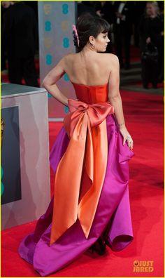 Lily Allen Wears Pink Hairpiece at BAFTAs 2014 Red Carpet
