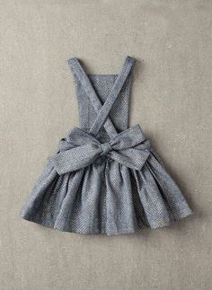 Nellystella Ella Dress in Light Grey Foil - – Hello Alyss - Designer Children's Fashion Boutique Baby Girl Fashion, Fashion Kids, Baby Outfits, Kids Outfits, Free Sewing, Sewing Tips, Sewing Tutorials, Sewing Hacks, Baby Sewing