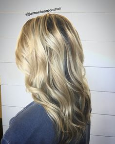 Blonde hair shadow root with loose waves!