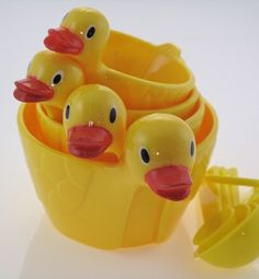 Duck measuring cups with spoons