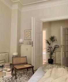 Dream Home Design, Home Interior Design, Design Homes, Interior Ideas, Aesthetic Bedroom, Beige Aesthetic, Flower Aesthetic, Dream Rooms, My New Room