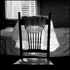 Erich Hartmann, USA. Maine. 1975. Bedroom.