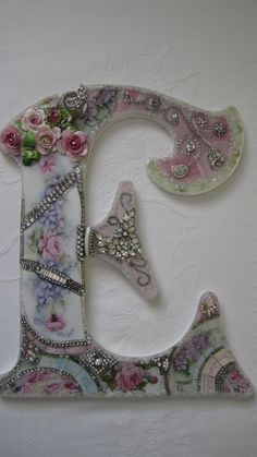 """VTG Chic China Mosaic Pink Rose Wall French Shabby Jewelry Rhinestone Letter """"L"""""""