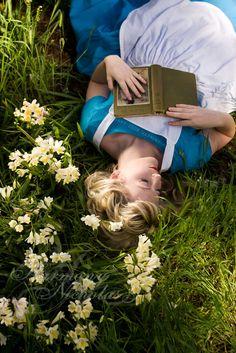 Reading a book until falling asleep #eccosmile #sculptured65