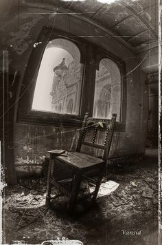 Abandoned Small Church in Germany Toronto Castle Neuschwanstein Castle, Germany Laundry day in Castello, Venice Old Buildings, Abandoned Buildings, Abandoned Places, Abandoned Castles, Abandoned Property, Abandoned Mansions, Spooky Places, Haunted Places, Famous Castles