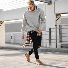 Check out these casual mens fashion 29934 Mens Fashion 2018, Trendy Mens Fashion, Mens Boots Fashion, Men's Fashion, Street Fashion, High Fashion, Lässigen Jeans, Ripped Jeans Men, Casual Jeans