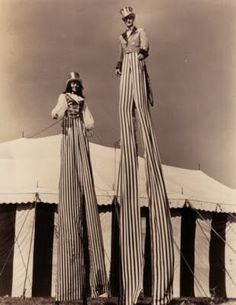 Circus performers on stilts. Dark Circus, Old Circus, Circus Acts, Night Circus, Vintage Photographs, Vintage Photos, Circus Aesthetic, Aesthetic Art, Art Du Cirque