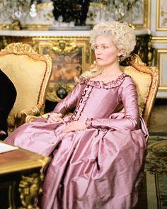 Kirsten Dunst and Jason Schwartzman in Marie Antoinette directed by Sofia Coppola, 2006 Sofia Coppola, 18th Century Clothing, 18th Century Fashion, Period Costumes, Movie Costumes, Rococo Fashion, Vintage Fashion, Film Fashion, Vintage Clothing