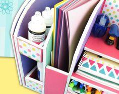 DIY: Beautiful Desk Organizer from Cardboard - Art & Craft Ideas Cardboard Furniture, Cardboard Crafts, Paper Crafts, Sand Crafts, Diy And Crafts, Arts And Crafts, Bedroom Organization Diy, Craft Organization, Diy Magazine Holder
