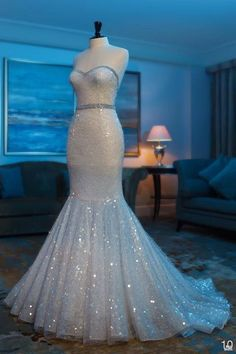 Strapless mermaid wedding dress with LOTS of sparkle. Lovely. I do not have the body for this but wow is this fabulous!