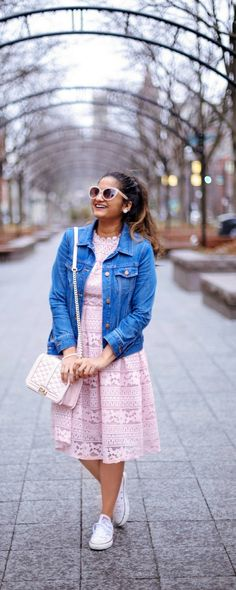 28 Trendy Ideas for how to wear converse outfits chic denim jackets Converse Jacket, Dress With Converse, Converse Sneakers, Converse Chuck, Converse Outfits, Pink Converse, Casual Dresses, Casual Outfits, Winter Outfits