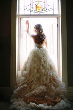 Bridal photos, wedding dress inspiration