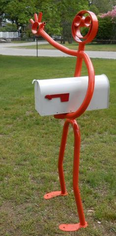 Happy_Stickman_Mailbox_Holder_|_Smiley_Mailbox_Dude  Seriously this would be sooo AWESOME!!!