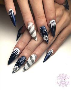 Blue Nails, Long Nails, Christmas Nails, Nailart, Beauty, Christmas Manicure, Blue Nail, Xmas Nails, Beauty Illustration