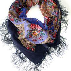 beautiful russian traditional scarf