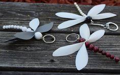 """351 gilla-markeringar, 1 kommentarer - Yle Strömsö (@ylestromso) på Instagram: """"Hängande reflexfigurer. #strömsö #reflex #gördetsjälv #pyssel #trollslända"""" Diy And Crafts, Crafts For Kids, Wedding Altars, Diy Flowers, Key Rings, Hand Embroidery, Christmas Diy, Sewing Projects, Handmade Items"""