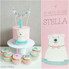 girly polar bear cake by Astrids Bakkerij