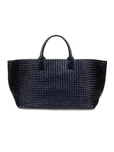 Bottega Venetta creative director Tomas Maier's favorite fall accessories: Cabat bag