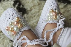 Size 0 to 12 months. Our crochet pearl baby shoes have a ballerina tie around the ankle. They are the most comfortable and soft bootie she will wear. The details of the pearls is stunning and they are perfect for a christening, blessing or daily wear for that high fashionable baby!  Crochet Shoes  $24     Select Your Color  Cream $24.00 USD White $24.00 USD         Continue reading →
