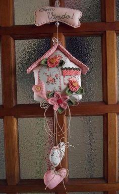 Paps e Moldes de Artesanato - para te inspirar… www.artecomquiane… Sie sind an der richtig - Felt Crafts, Fabric Crafts, Sewing Crafts, Diy And Crafts, Sewing Projects, Projects To Try, Arts And Crafts, Christmas Door Decorations, Christmas Crafts
