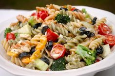 The BEST Creamy Italian Pasta Salad Recipe - I Heart Recipes The latest recipes and sweet suggestion Italian Pasta Recipes, Pasta Salad Italian, Pasta Salad Recipes, Southern Macaroni Salad, Tuna Macaroni Salad, Cookout Side Dishes, Summer Side Dishes, I Heart Recipes, Side Dish Recipes