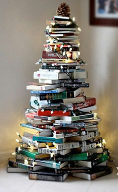 A book lover's Christmas-tree alternative via littleflower96.tumblr.com