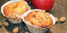 Lette og luftige æblemuffins med crunchy mandler, perfekte med lidt creme fraiche til dessert eller til en hyggelig stund om eftermiddagen.