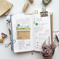 """We do not remember days, we remember moments"" - Cesare Pavese 很細緻的事像剛買的一個背包一本書即使是一個瞬間都可以寫下, 只要是讓自己感覺開心的 Keep writing ✑ Ps / 牛皮紙的Post-It-Note ♲ 也太難得了, 買了兩個, 很喜歡!"