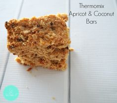 These Thermomix Apricot and Coconut Bars have no added sugar apart from a little… Baby Food Recipes, Baking Recipes, Diabetic Recipes, Healthy Recipes, Healthy Bars, Healthy Eating, Bellini Recipe, Muesli Bars, Thermomix Desserts
