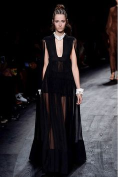 Valentino Spring/Summer 2016 Ready-To-Wear