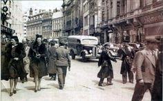 Poze Bucurestiul vechi Little Paris, Bucharest Romania, Rotterdam, Vintage Photography, Vintage Photos, Life Is Good, Nostalgia, Old Things, Street View