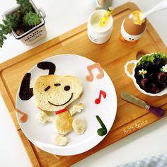Snoopy toast art by AnT's Bento (@antsbento)
