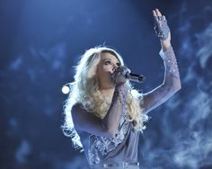 """Carrie Underwood performed """"Blown Away"""" at the 46th Annual CMA Awards on November 1, 2012."""
