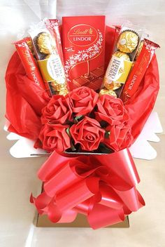 Lindt Lindor, Lindt Chocolate, Luxury Chocolate, Chocolate Baskets, Food Hampers, Gift Hampers, Gift Bouquet, Candy Bouquet, Regalos Mujer Ideas