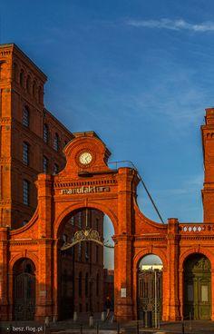 Manufaktura Lodz, Poland Industrial Architecture, Historical Architecture, Tatra Mountains, Come And Go, Lake Superior, Krakow, Beautiful Architecture, Us Travel, Architects