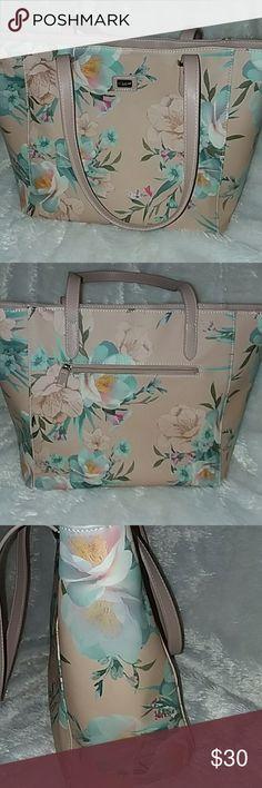 3f7341a54c3d David Jones Women David Jones Paris handbag. With beautiful flower prints. david  jones paris