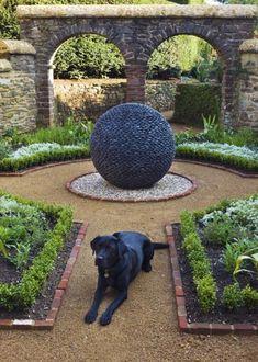 100 Gartengestaltung Bilder und inspiriеrende Ideen für Ihren Garten - zeitgenössische gartengestaltung dekoideen kugel