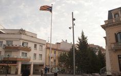 La Junta Electoral avala l'estelada de la plaça de l'estació de Sant Cugat, 21 de Juny 2016