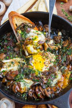 Mushroom and Brie Baked Eggs Recipe : Eggs baked in a a creamy mushroom brie sauce! Egg Recipes, Cooking Recipes, Burger Recipes, Pizza Recipes, Free Recipes, Good Food, Yummy Food, Tasty, Vegetarian Recipes