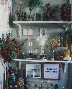 Room Art - Bright Idea - Home, Room, Furniture and Garden Design Ideas Bedroom Green, Green Rooms, Dream Bedroom, Room Decor Bedroom, Indie Bedroom, Bedroom Ideas, Witch Aesthetic, Aesthetic Dark, Aesthetic Fashion