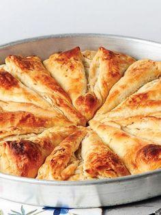 Pırasalı ve cevizli börek tarifi - Hamur İşleri - Yemek Tarifleri | ELELE
