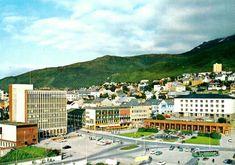 Nordland fylke Narvik oversikt over byen med Torget og Rådhuset Utg Grako 1970-tallet